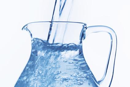 Destilliertes Wasser für das Bügeleisen